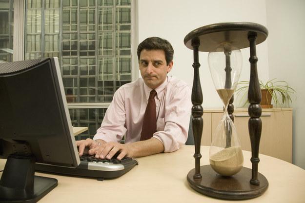 Skazani na bezrobocie, czyli jaki jest prawdziwy cel płacy minimalnej? /© Glowimages