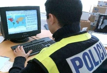Skazani przestępcy ukradli prawie 600 tysięcy funtów /AFP