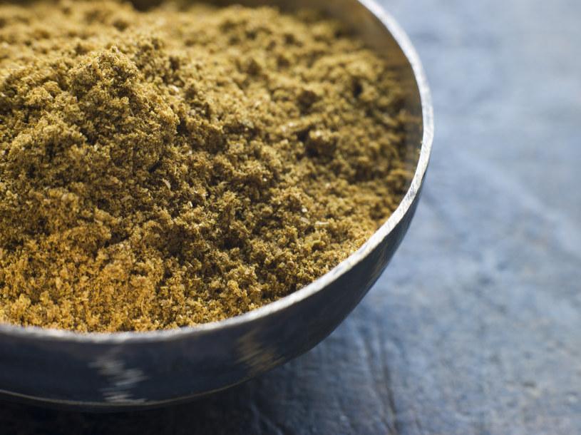 Składnik curry może okazać się ratunkiem dla najmłodszych pacjentów /© Glowimages