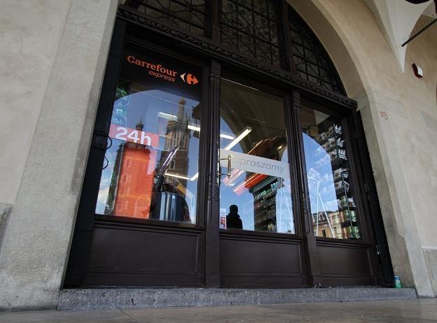 Sklep Carrefour Express otwarto w Sukiennicach /fot. Jan Graczyński /East News