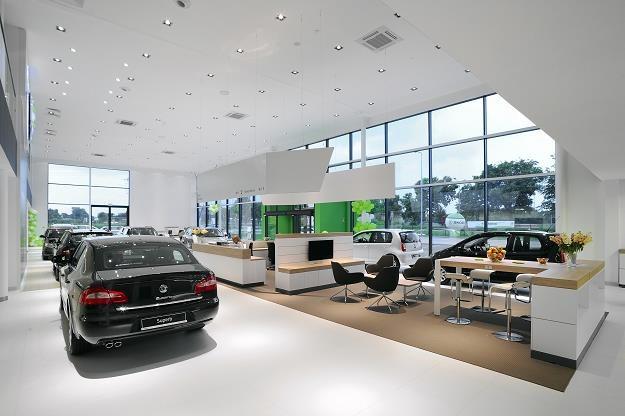Skoda sprzedaje dużo samochodów i firmom i osobom prywatnym /