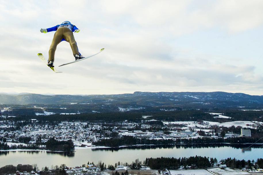 Skoki narciarskie na skoczni w Vikersund /Grott, Vegard Wivestad/NTB /PAP/EPA