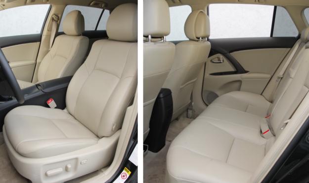 Skórzana tapicerka to jeden z elementów wyposażenia standardowego wersji Prestige. Na fotelach z obiciem tekstylnym ślady zużycia pojawiają się już po 30 tys. km: fałduje się materiał siedziska. Tylna kanapa zużywa się dużo wolniej. I z przodu, i z tyłu problemem jest krótkie siedzisko. /Motor