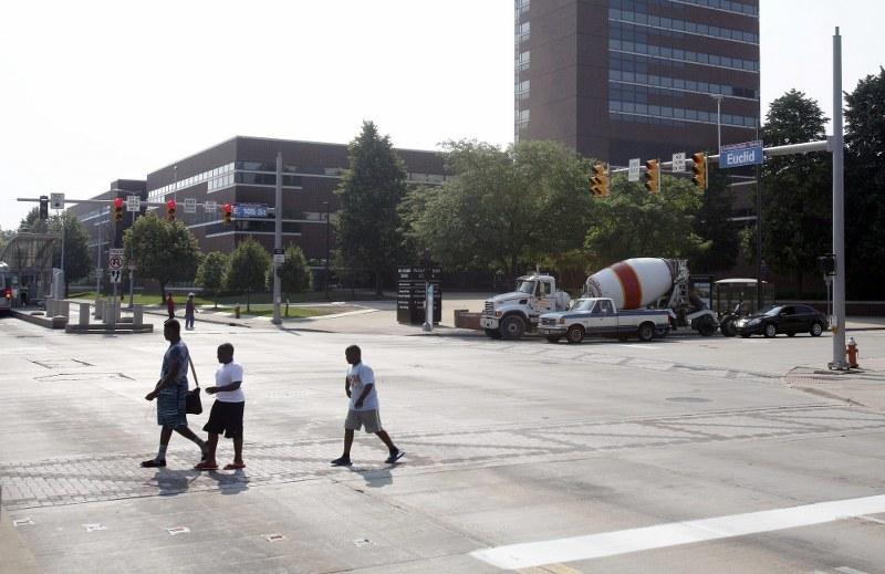 Skrzyżowanie Euclid Avenue i East 105th street w Cleveland, Ohio /EPA/DAVID MAXWELL /PAP/EPA