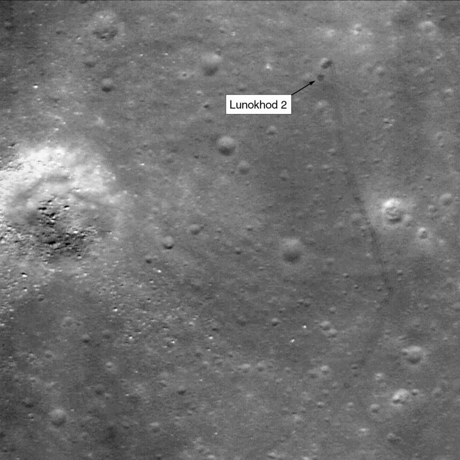 Ślady Łunochoda 2 na powierzchni Srebrnego Globu  /NASA