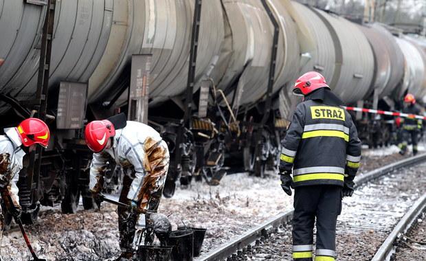 Śląskie: Zderzenie dwóch pociągów towarowych. Jeden z maszynistów ranny