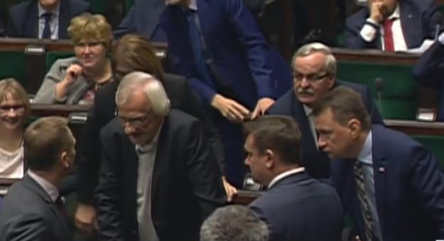 Sławomir Nitras dyskutuje z klubem PiS /TVN24 /