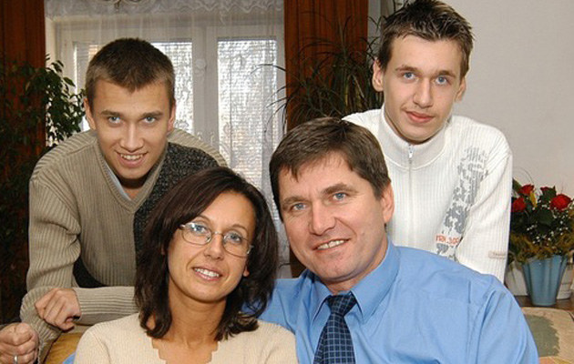 Sławomir z rodziną /Marek Szymański /Reporter