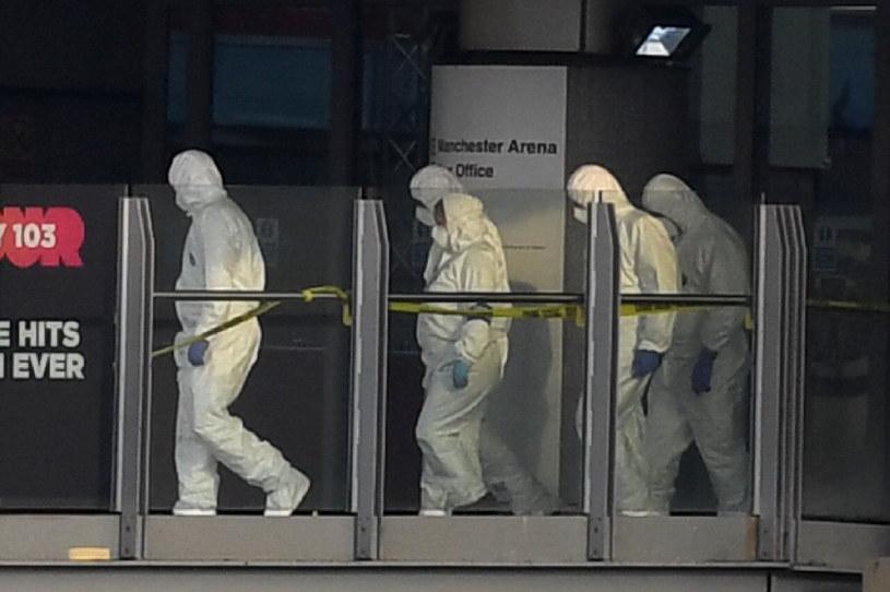Śledczy w pobliżu miejsca wybuchu we wtorek rano /AFP