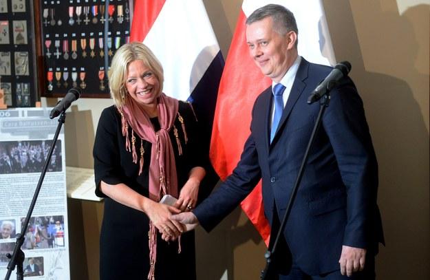 Śledztwo ws. podsłuchu w stołecznej restauracji przed spotkaniem szefa MON z holenderską minister