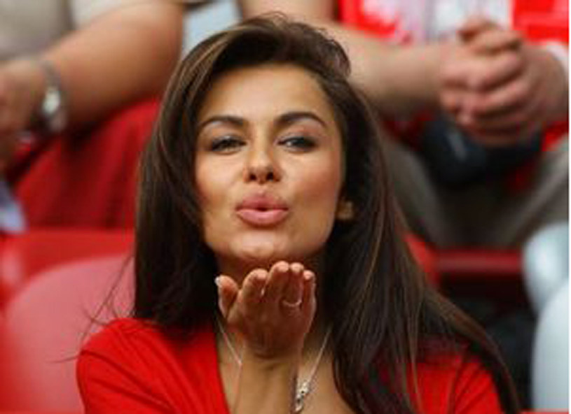 Śliczna brunetka kibicowała Polsce! /  - /Getty Images/Flash Press Media