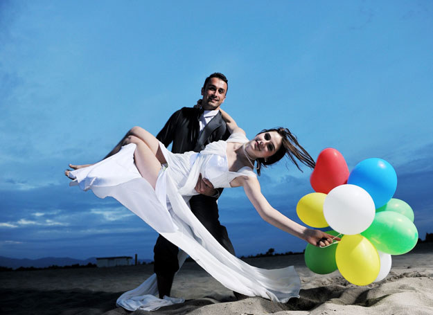 Ślub można wziąć nie tylko w kościele /©123RF/PICSEL
