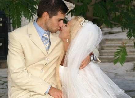 Ślub siódmego zapewnia powodzenie, a co dopiero trzy razy 7, fot. Borys Czonkow /MWMedia