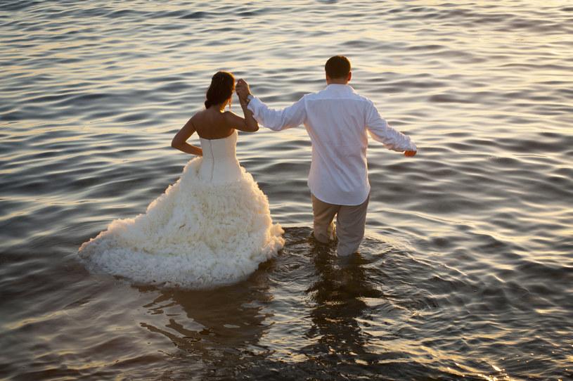 Ślub w plenerze grozi banalizacją sakramentu /©123RF/PICSEL