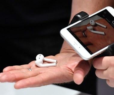Słuchawki AirPods w zestawie z każdym iPhonem?