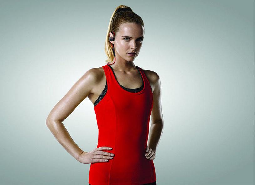 Słuchawki Jabra Sport Pace zostały zaprojektowane z myślą o wszechstronności i bogaceniu programu ćwiczeń /Picsel /123RF/PICSEL