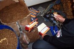 Służba Celna zlikwidowała nielegalną fabrykę papierosów