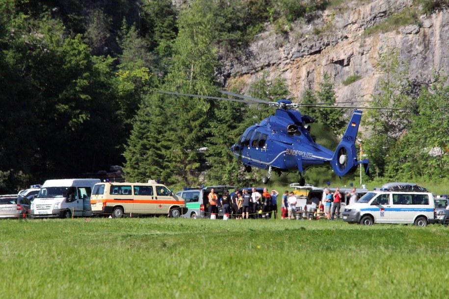 Służby na miejscu akcji ratunkowej /AKTIVNEWS /PAP/EPA