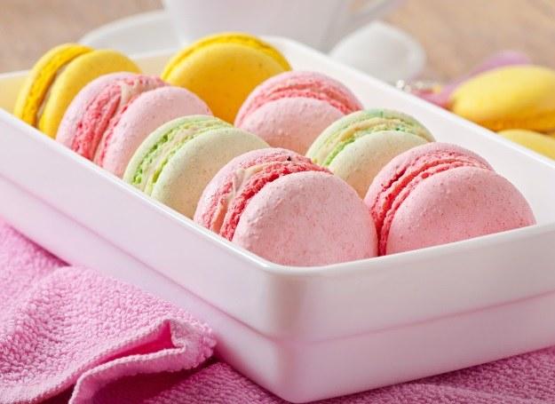 Smaczne ciasteczka we wszystkich kolorach tęczy /©123RF/PICSEL