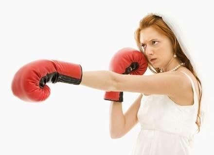 Smak rozstania zna większość kobiet, ale niechętnie o tym opowiada /ThetaXstock