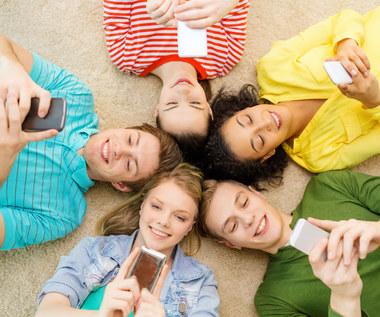 Smartfon na komunię - najlepsze smartfony w cenie od 500 do 900 złotych