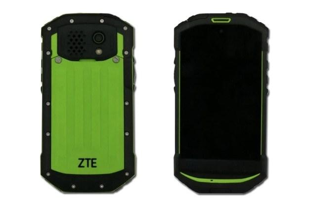 Smartfon ZTE C501 posiada wzmocnioną obudowę /INTERIA.PL/informacje prasowe