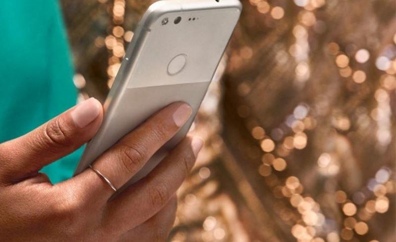Smartfony Google Pixel na zdjęciach /Twitter /Internet