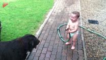 Śmiech tego dziecka jest niesamowity!