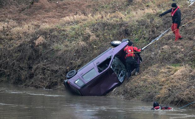 """Śmierć 5 młodych ludzi w Tryńczy. """"Auto koziołkowało i stoczyło się ze skarpy"""""""