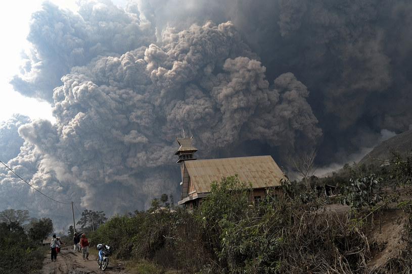 Śmiertelnie niebezpieczny Sinabung /AFP