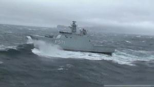 Śmigłowiec Lynx ląduje na patrolowcu