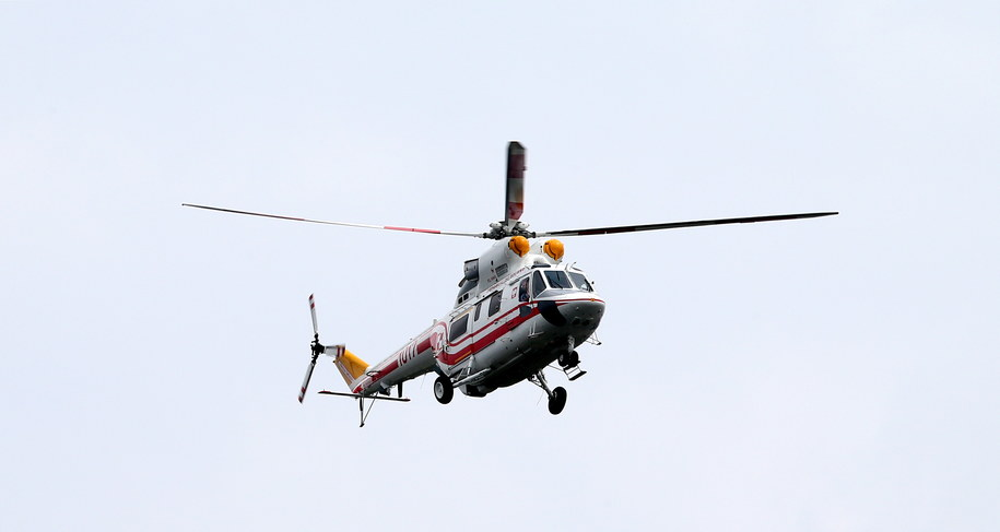 Śmigłowiec z papieżem Franciszkiem na pokładzie odlatuje z Częstochowy do Krakowa /Paweł Supernak /PAP