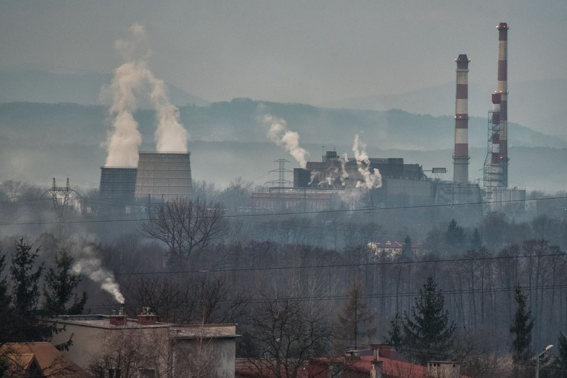 Smog nad Polską /Tadeusz Koniarz /East News