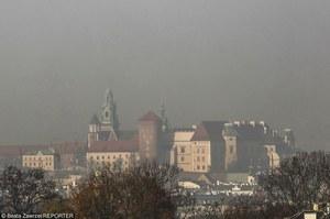 Smog w Krakowie. Komunikacja za darmo tylko dla kierowców