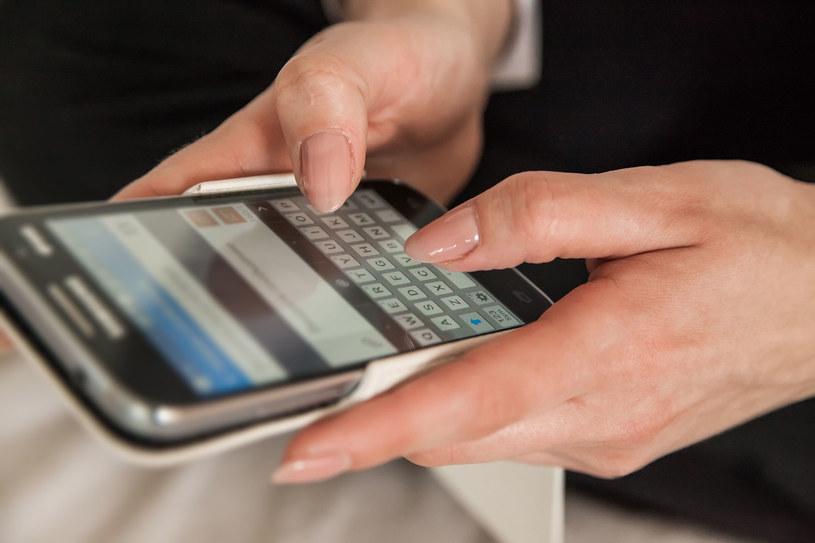 SMS Premium to nadal najczęstszy sposób na naciąganie użytkowników smartfonów /123RF/PICSEL
