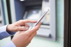 SMS-y z kodami do przelewów przejęte przez hakerów