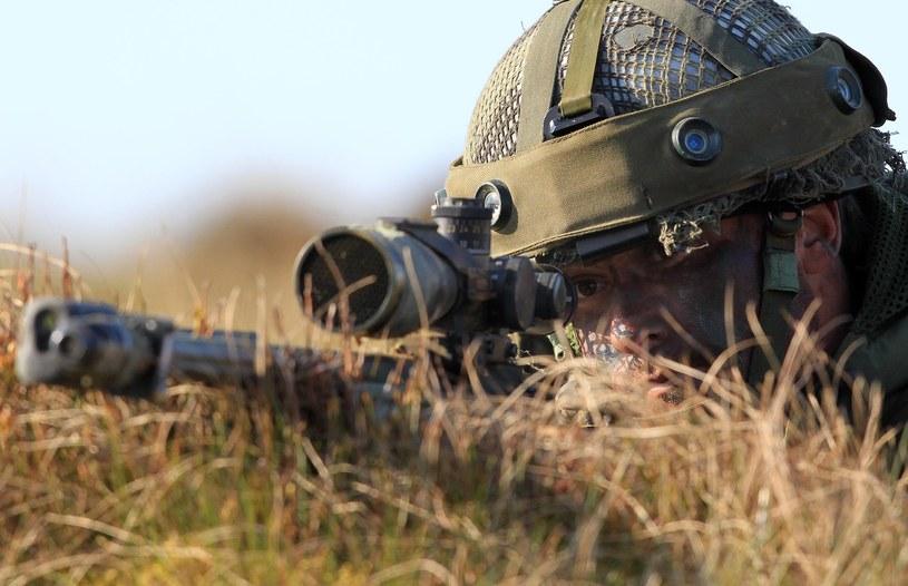 Snajper, zdjęcie ilustracyjne /AFP