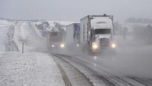 Śnieg paraliżuje północne Czechy