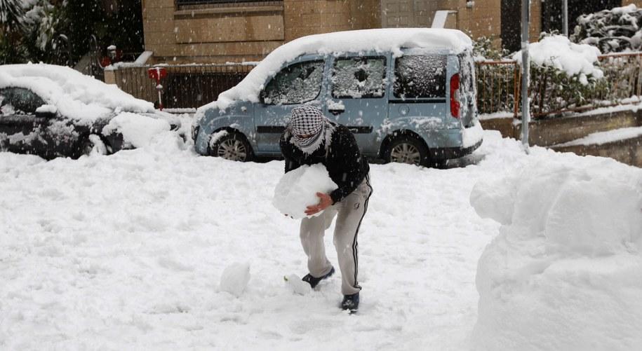 Śnieg spadł też w Strefie Gazy /ALAA BADARNEH  /PAP/EPA