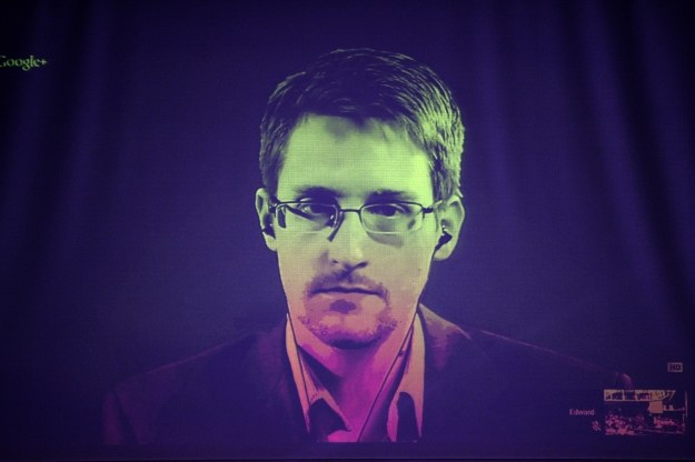 Snowden nie przestaje mówić /AFP