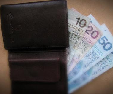Sochaczew: Nieuczciwa kasjerka oszukiwała klientów banku