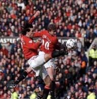 Solskjaer i van Nistelrooy w ataku na bramkę Aston Villa