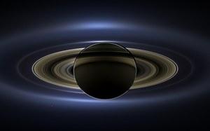 Sonda Cassini nagrała dziwne dźwięki Saturna