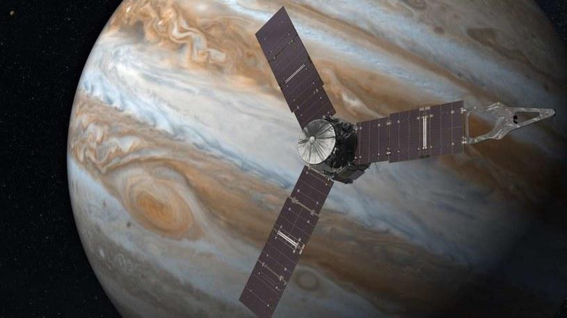 Sonda Juno będzie dokonywać przelotów nad Jowiszem co najmniej do 2021 r. /NASA