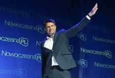 """Sondaż dla """"SE"""": Petru liderem opozycji"""