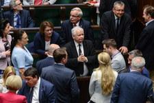 """Sondaż IBRiS dla """"Rz"""": Większa przewaga PiS nad PO"""