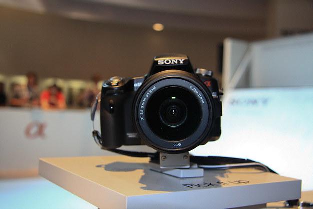 Sony Alfa 55 - lustrzanka z półprzepuszczalnym lustrem /INTERIA.PL - Adam Nietresta