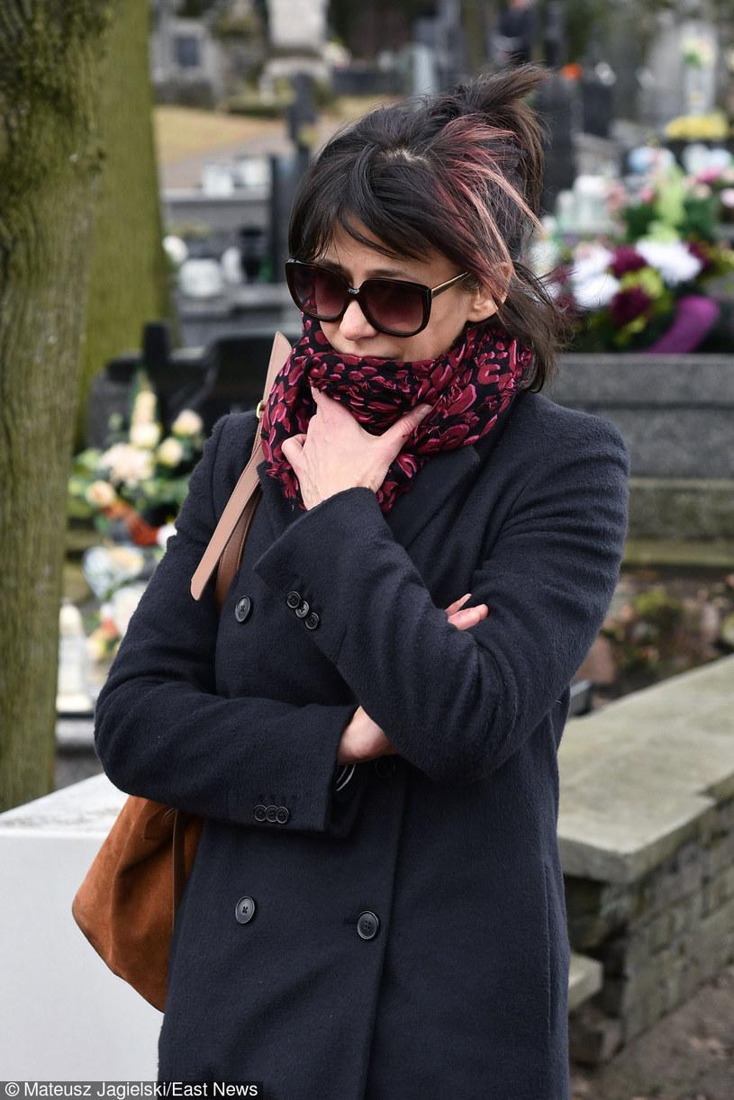 Sophie Marceau opłakująca Andrzeja Żuławskiego na jego pogrzebie, Gora Kalwaria 22.02.2016, fot. Mateusz Jagielski /East News