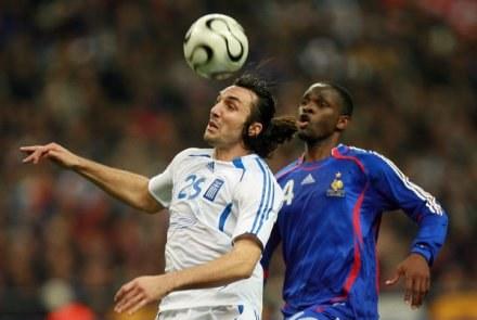 Sotiris Kyrgiakos (z lewej) /AFP