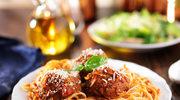Spaghetti z klopsami w pomidorach